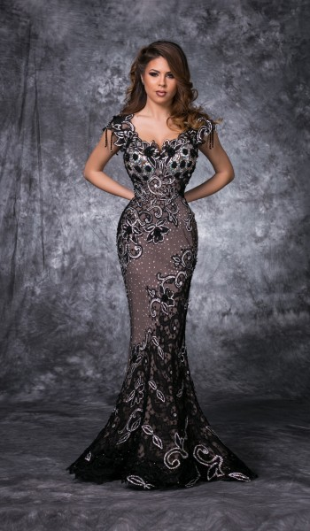 ROCHIE DIN BRODERIE SI CRISTALE